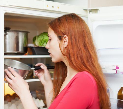 Контроль за температурой в холодильнике - Designed by bearfotos / Freepik